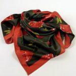 Apaszka róże czarna (1)
