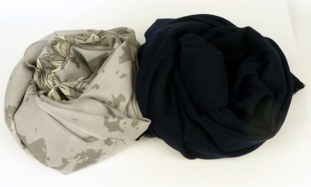 Cienki i grubszy szal z wełny - różnica w tkaniu.