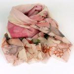 Cienki szal z wełną wzorzysty różowy (5)