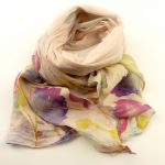 Cienki szalik rozmyte kwiaty różowy (1)