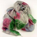 Cienki szalik szary róże (1)