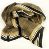 Cienki szalik jedwabny do noszenia przez cały rok, doskonale sprawdzi sie latem. Eleganckie kolory i ponadczasowy wzór.