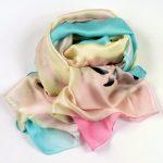 Kolorowy szal w szary wzór (5)