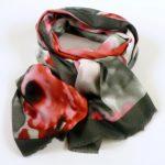 Kolorowy szalik, szara obwódka (1)