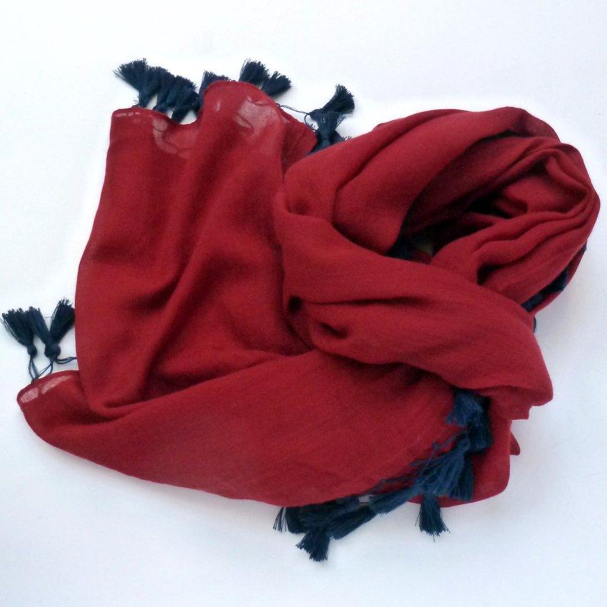 Szal bawełniany z chwostami czerwony (1)