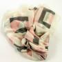 Szal jedwabny geometryczny z różowym (1)