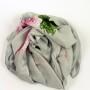 Szal jedwabny szary z różą (4)