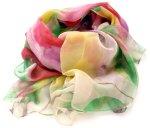Zwiewny szal w pięknych kolorach                kolora